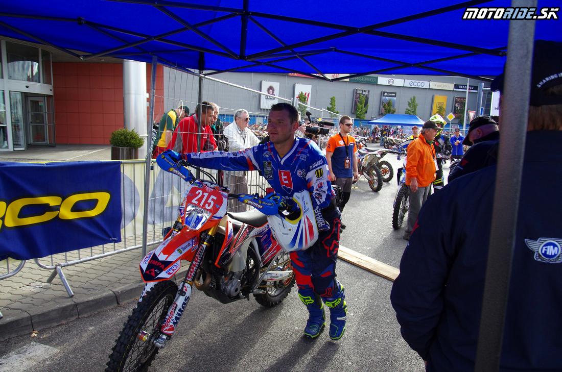Štefan Svitko - Štart prvého súťažného dňa - ISDE 2015 Košice