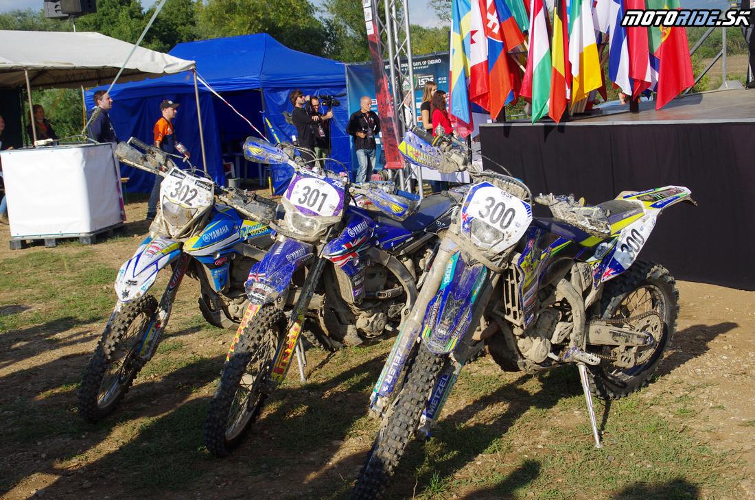 Motorky víťazného ženského tímu Austrália - Šesťdňová 2015 - 6. deň - Záverečný motokros - Kechnec