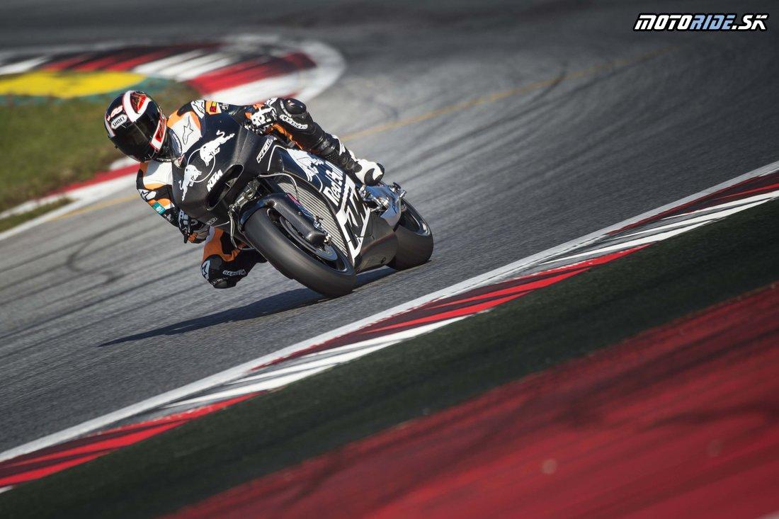 Oficiálne fotografie špeciálu KTM pre MotoGP z testovania na okruhu