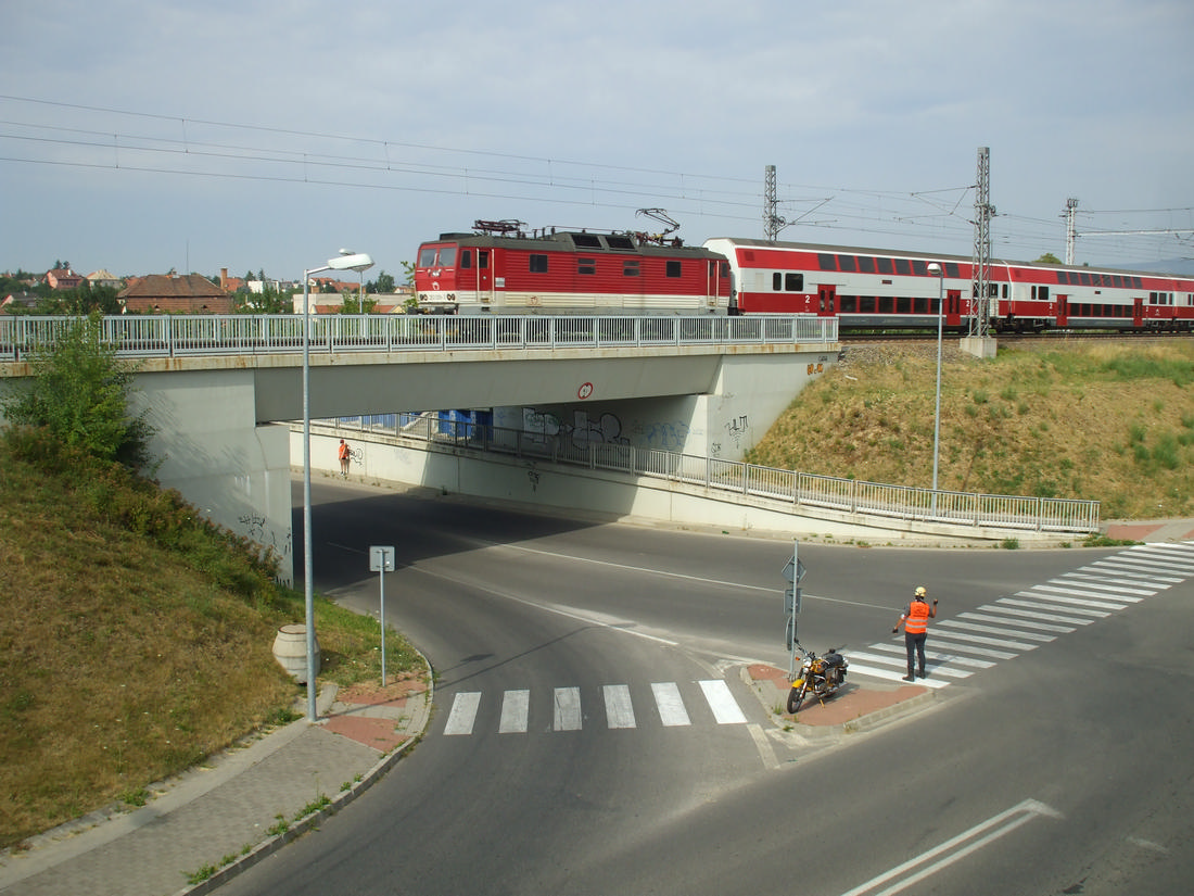 komunikáciu medzi regulovčíkmi naraz prerušil vlak do Trnavy
