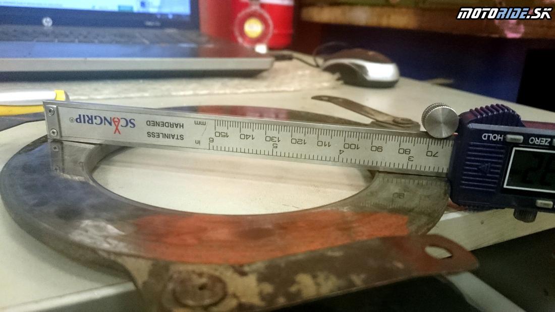 Problém so spojkou, tu je vidieť deformáciu prítlačných tanierov spojky - opotrebovanie + skrivenie teplom
