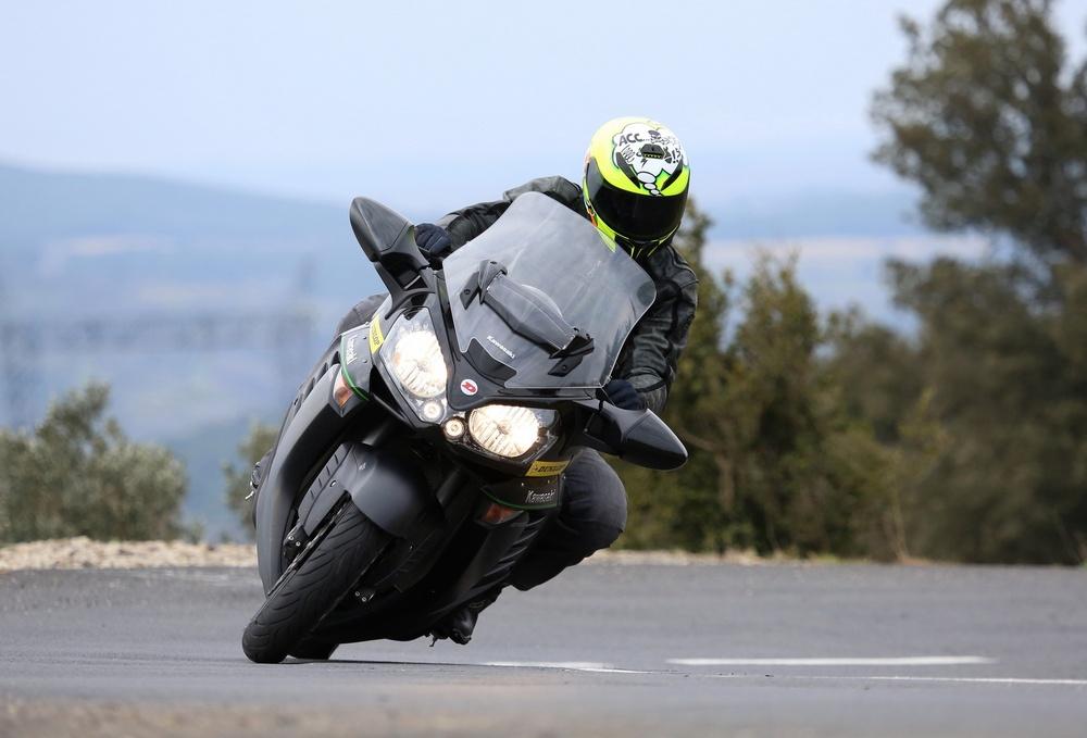 Dunlop Road Smart III na výjazde na Kawasaki GTR