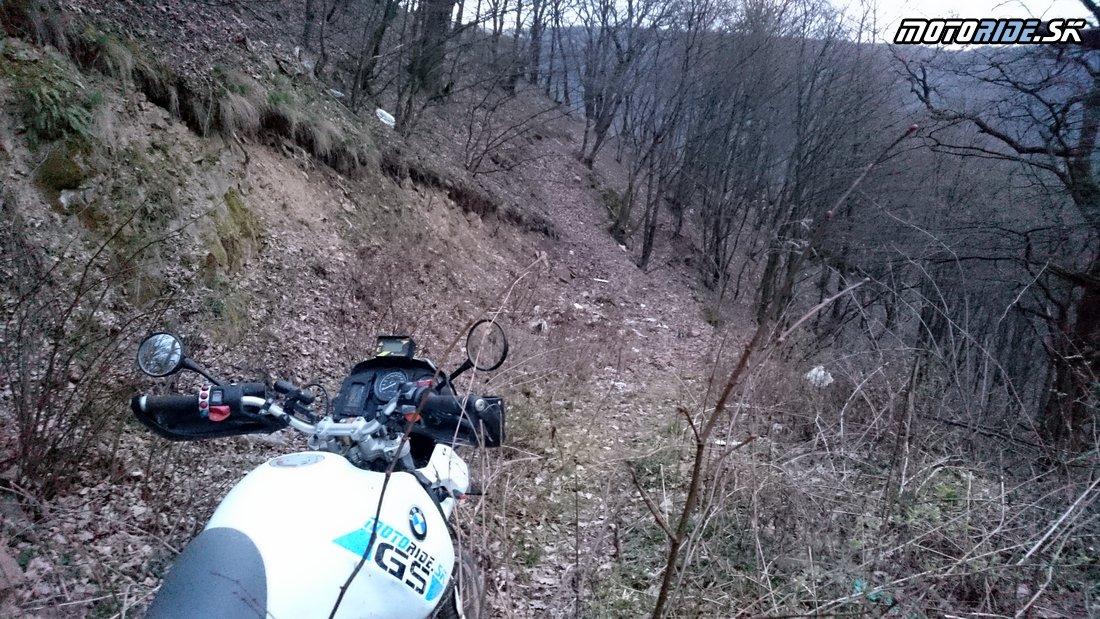 Cesta končí ďalej len lesný traver tak pre kozy :-)