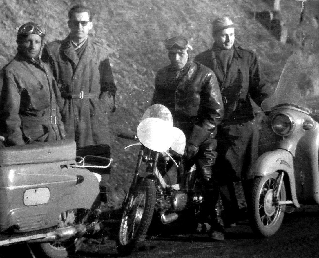 odkrytovaný pretekový Pionier 555