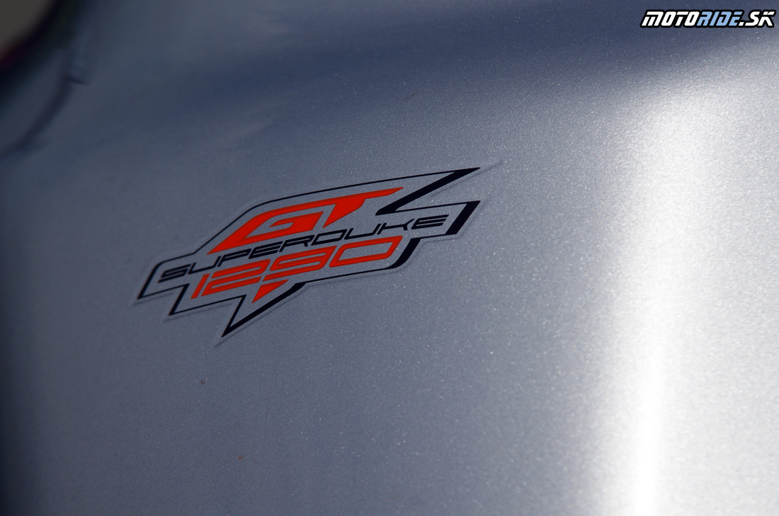KTM 1290 SuperDuke GT 2016
