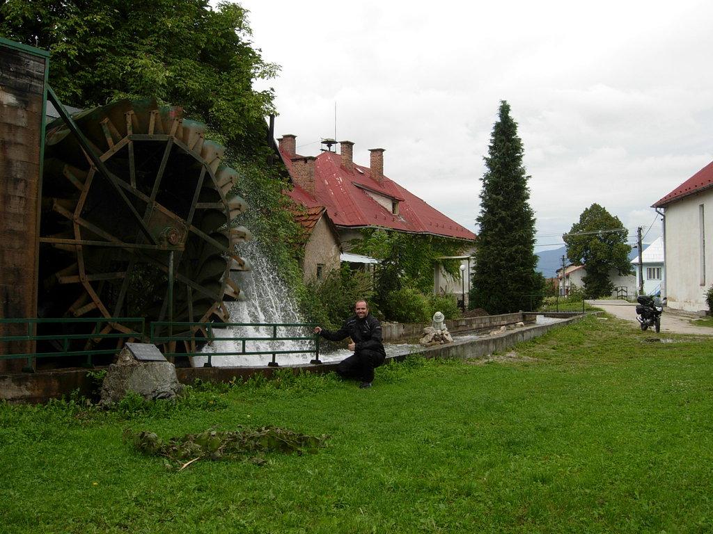 Vodná elektráreň v obci Necpaly