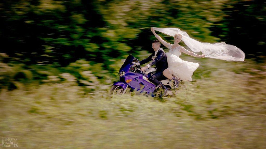 Svadobné zvezenie novomanželov :-)