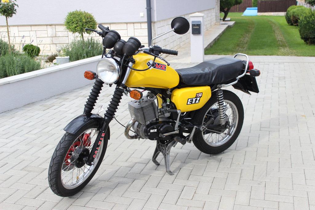 Moja prvá motorkárska sezóna - MZ ETZ 150 1991