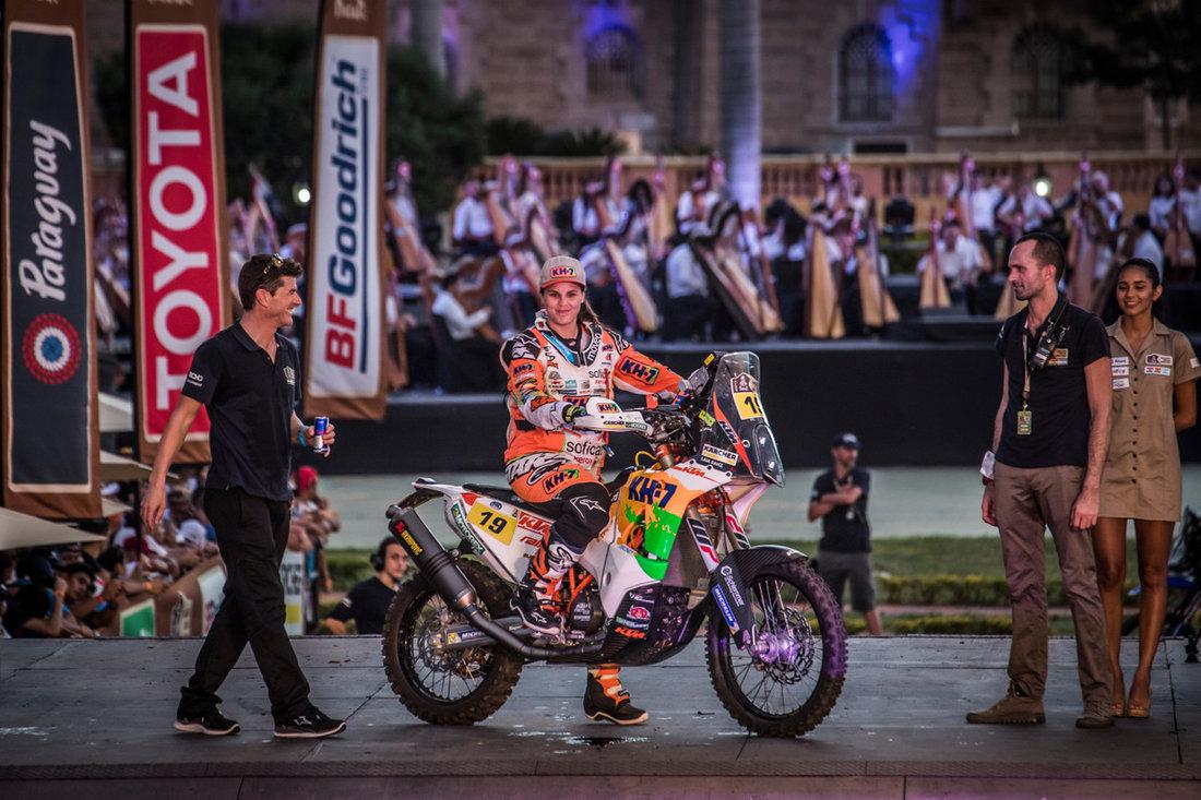 Laia Sanz KTM 450 RALLY Podium Dakar 2017