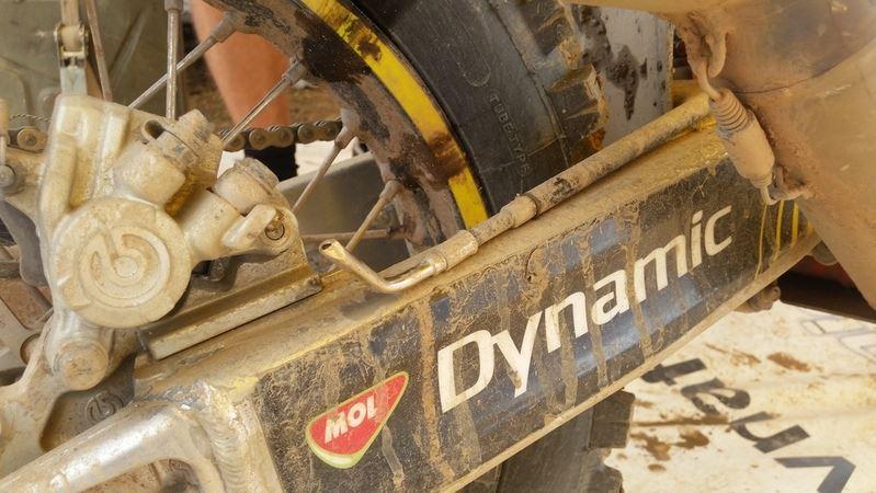 Poškodená hadička k zadnej brzde - Štefan Svitko - Dakar 2017 - 5. etapa