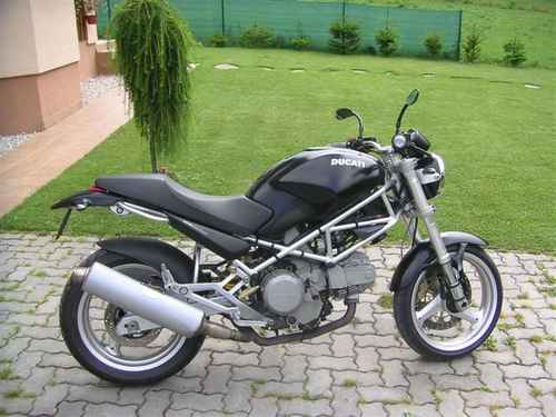 Odstr�n z porovnania Ducati Monster 600/Monster 600 Dark/Monster 600