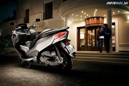 Recenzia Honda NSS300 Forza 2