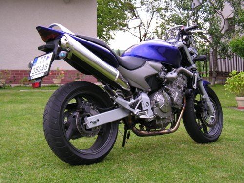 Honda Cb 600 F Hornet 2003 šantenie S Nahou Kráskou Motoridesk