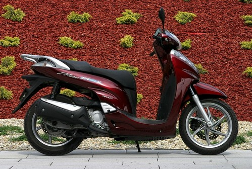 the best scooters honda sh 300i. Black Bedroom Furniture Sets. Home Design Ideas