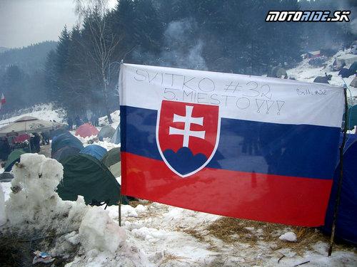 Doniesli sme aj vlajku, ktorá vítala Števa Svitka