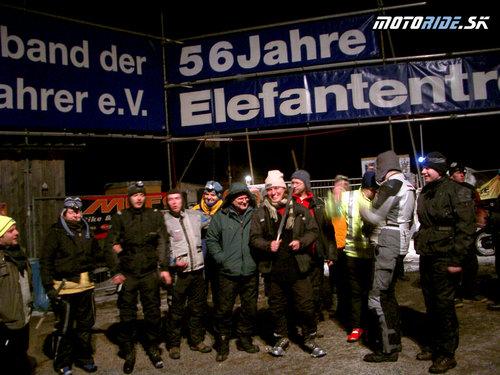 Pred sviečkovým pochodom (na počesť bikerov ktorý nás opustili)