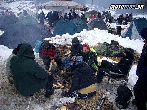 Slovenská skupinka pri ohni